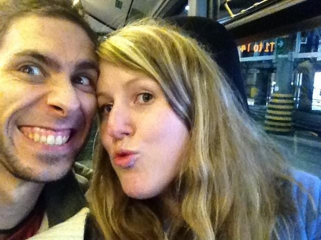 Zwei Reisende verrückt vor Freude! :D