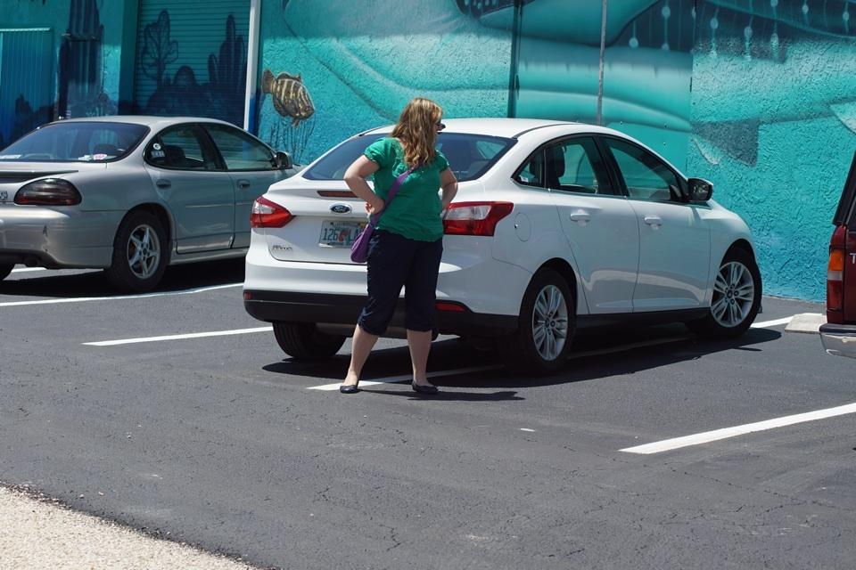 Schatzi parkt schon wie ein Ami (2 Parkplätze erforderlich)