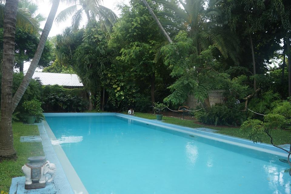 Hemmingways Pool