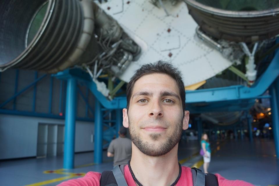 Ich, vor einer Mondrakete