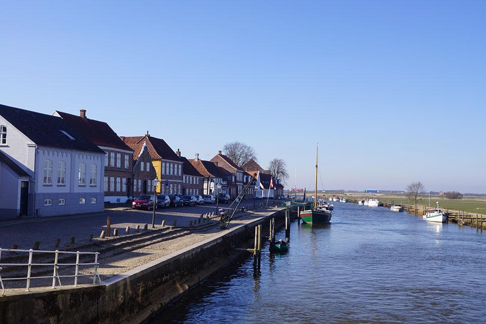 Hafen mit Fluß Ribe