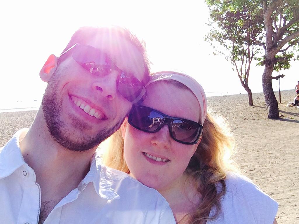 Schatz & ich am Strand von Kuta