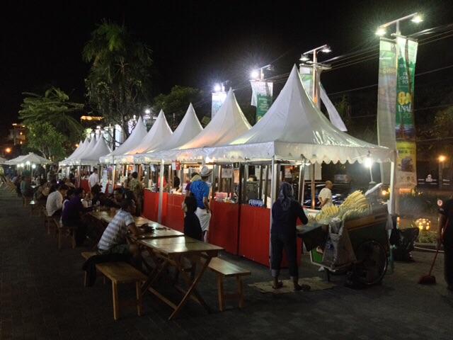 Der Nachtmarkt auf dem wir zu Abend aßen