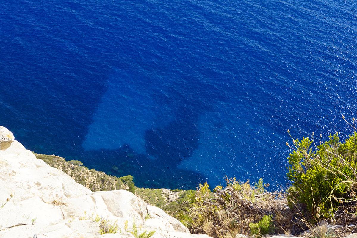 Azurblaues Wasser