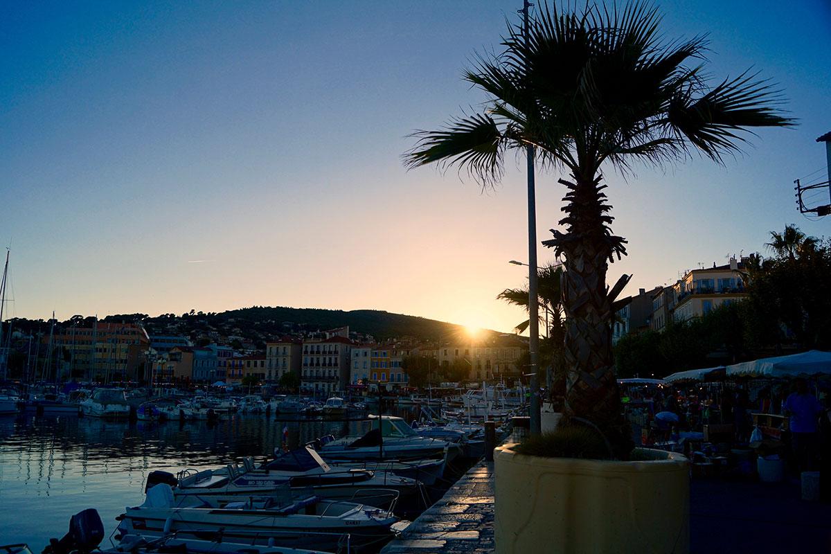 Sonnenuntergang am Alten Haven von La Ciotat
