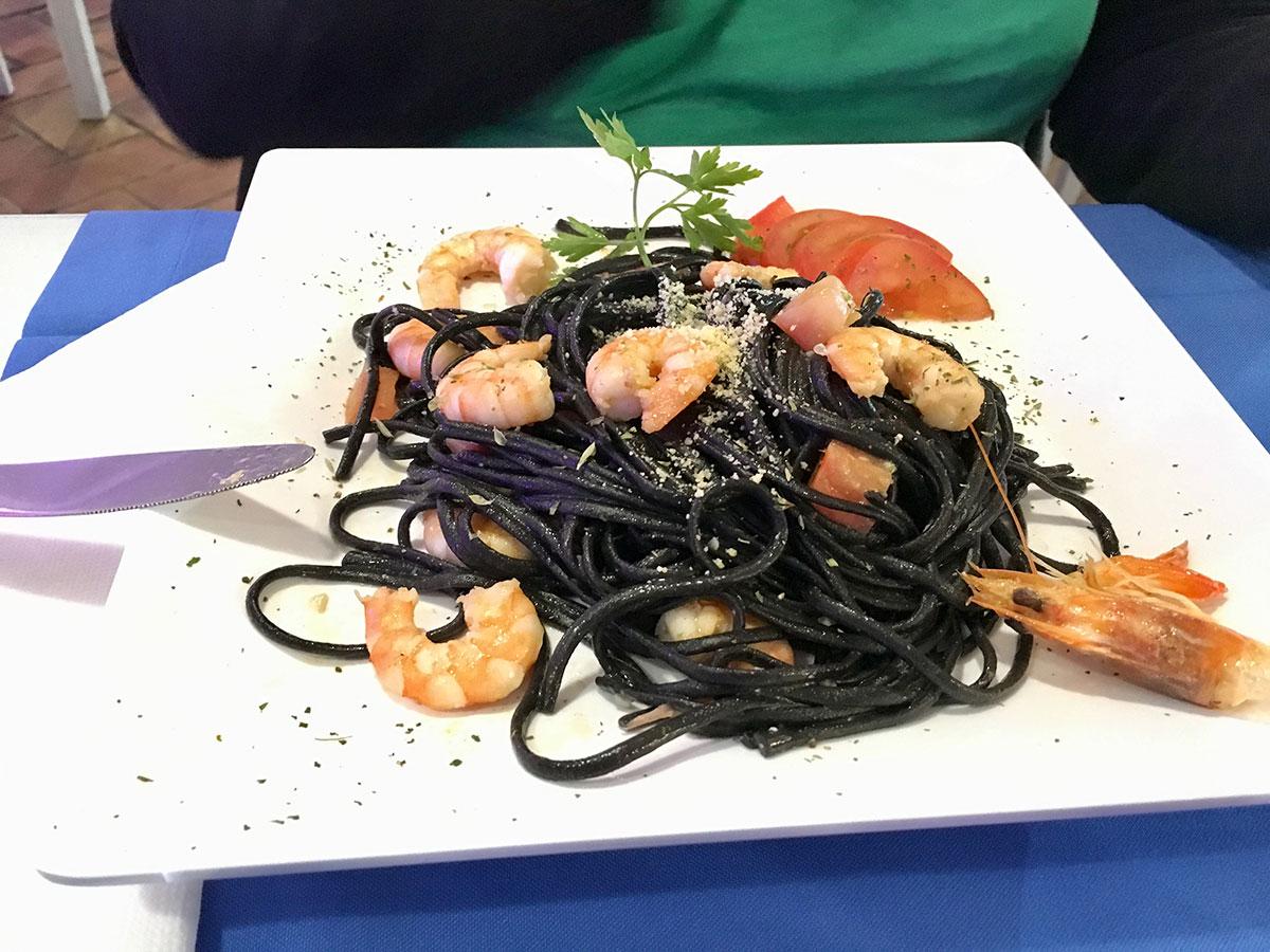 Pasta Negro mit Shrimps